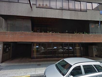 Local Comercial en León, en Avenida Padre Isla nº 8. FR 455 del RP León 1