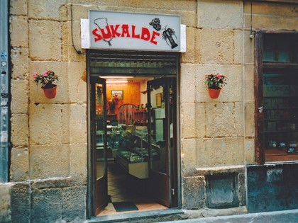 Lote de dos locales en Calle Pescadería nº 9 de Donostia-San Sebastián, FR 448/S/B y 448/S/S del RP de Donostia/San Sebastián nº 2.