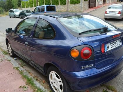 Vehículo Renault Megan Coupe M5593UY