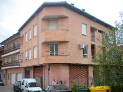 Apartamento en ático, tipo letra B en calle Castañuelos de Candeleda, (Ávila). FR 8359 RP Arenas de San Pedro