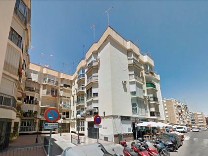 Vivienda en Piso  Bajo en calle Evangelista 36 esquina Justino Matute de Sevilla. FR 15767 RP Sevilla nº 2