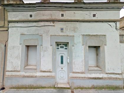 Edificio compuesto por dos casas adosadas en calle González de Soto de Figueres, (Girona). FR 3791 RP Figueres