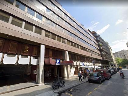 Local de negocio en planta 5ª Vía Augusta de Barcelona. FR 4702 RP Barcelona 15