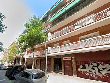 Lote formado por dos locales en planta baja puertas 1ª y 2ª, en Calle Evaristo Arnús 31-37 de Barcelona. FR 5110 y 5112 RP Barcelona nº 3
