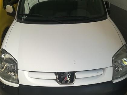 Vehículo Peugeot Partner. Matrícula 095TPBY