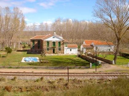 Lote formado por 10 fincas rústicas situadas en San Justo de la Vega y Celada de la Vega, (León). FR 18605-21781-18154-21782-21783-21784-21785-17655-11233 y una no se halla inmatriculada.