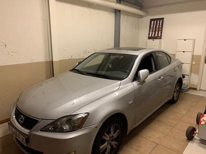 Vehículo Lexus IS 220D Luxury. Matrícula 9548 FJG